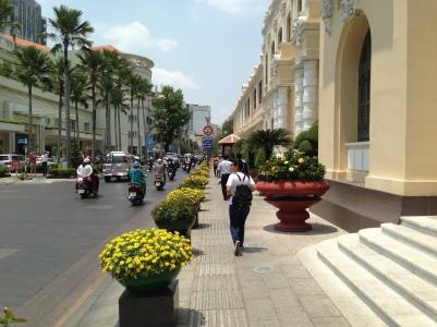 Walking to Bến Thành Market